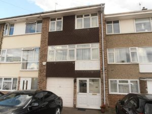 Cowdray Way, Hornchurch, London, RM12 – 4 Bedroom Townhouse