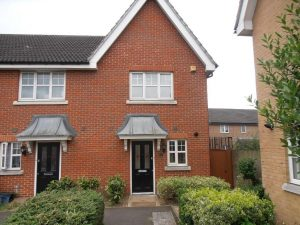 Piper Way, Ilford, Essex, IG1 – 2 Bed End of Terrace