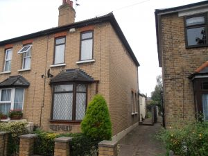 Catherine Road, Hornchurch, RM2 – 3 Bed Cottage