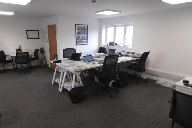 Office suite in romford to let